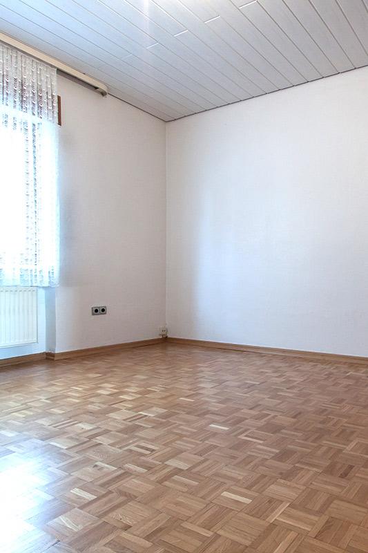 Bevor Home Staging umgesetzt wurde. keine Emotion im vorhandenen Wohnzimmer Foto Elvan Biondic